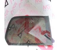Глухое стекло заднее L Toyota Land Cruiser 100