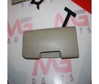 Правая заглушка сидения третьего ряда Toyota Land Cruiser 120 (79367-60051)