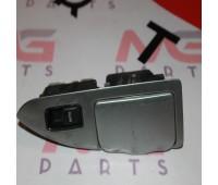 Пульт стеклоподъемника задний правый (с пепельницей) Toyota Land Cruiser 120 (84030-60023)