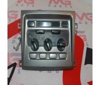 Центральная консоль климат-контроль (нижняя) Toyota Land Cruiser 105 (55900-60850)
