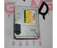Блок управления системы ABS Toyota Land Cruiser 105 (89540-60160)