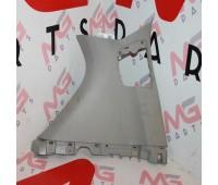 Накладка глухого стекла багажник правая сторона Toyota Land Cruiser 150 (52630-60110)