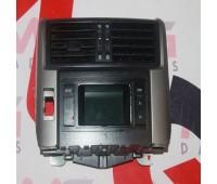 Центральная консоль под монитором Toyota Land Cruiser 150 (83290-60290)