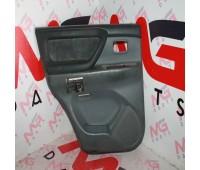 Обшивка двери (салон) LH задняя Lexus GX 470