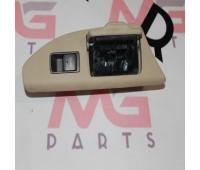 Пульт стеклоподъемника задний правый Lexus LX 570 (74270-60040)