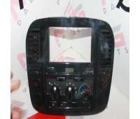 Главная консоль климат-контроль Toyota Land Cruiser 100 (84010-60152)